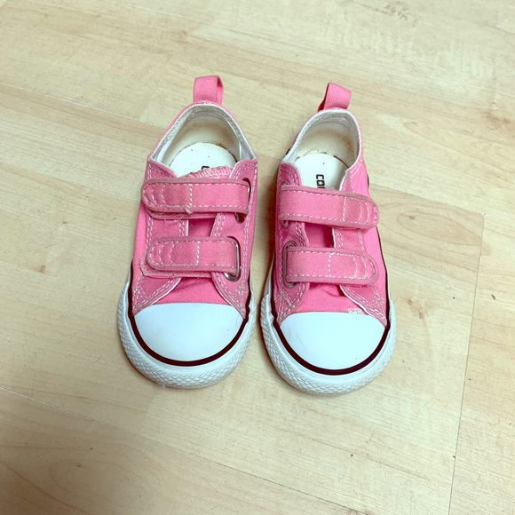 a691e13c1164 Converse Other - Converse toddler girls pink sneakers